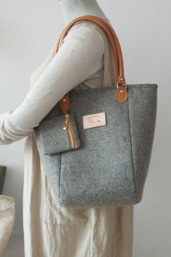Felt Bag Purse Wool Toto Grey Shoulder Leather Handles Metal Feet