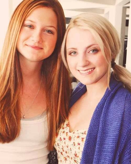 Ginny And Luna Harry Potter Actors Harry Potter Pictures Bonnie Wright