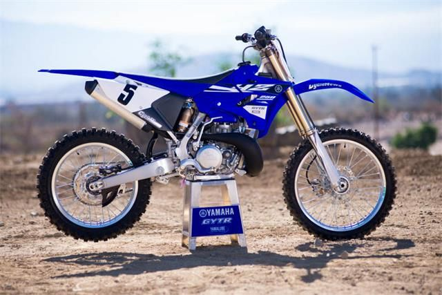 First Ride On The New Look 2015 Yamaha Yz250 Motorcycle Reviews Yamaha Bike Racers Motocross