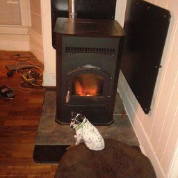 Pleasant Hearth Medium 35000 Btu S Pellet Stove With 40 Pound Hopper Estufas