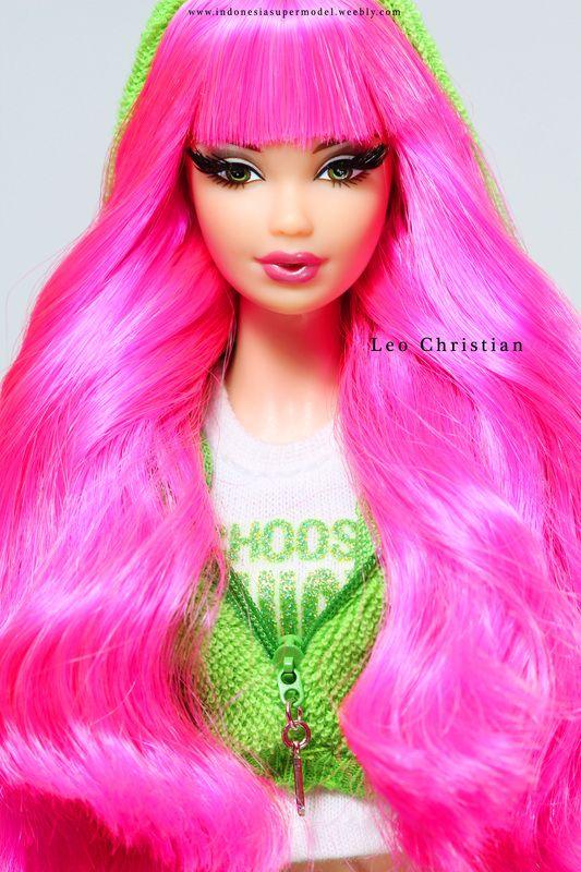 Tarina Tarantino Barbie Doll in Juicy Couture