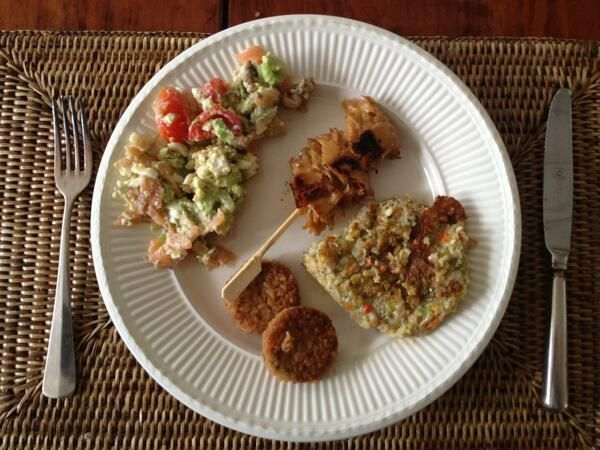 Lunch, Morrocan bites (Vivera), Lupin skewer (Vivera), Omegaburger (Dee's), Salad (Astrid's)