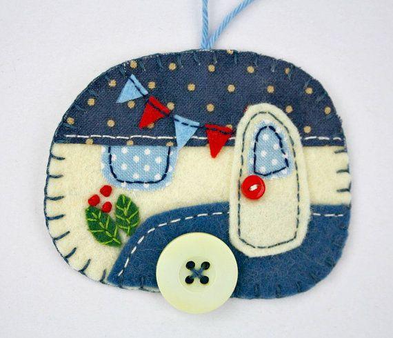 Felt Christmas Ornament, Vintage Trailer Ornament, Vintage Caravan Ornament, Handmade Felt