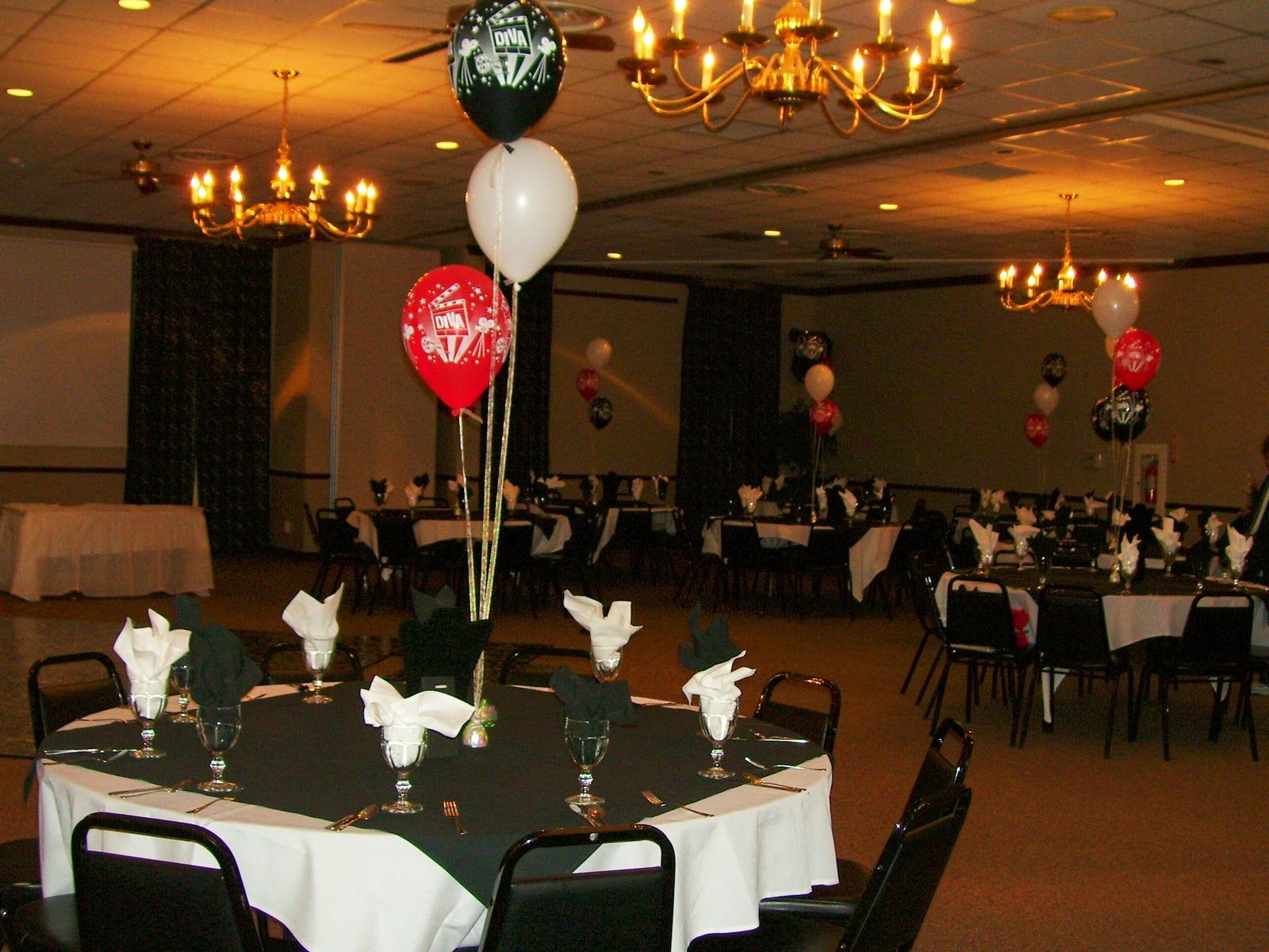 Adult birthday table decorations - 40th Birthday Party Balloon Decorations