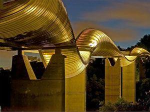 Henderson Waves Bridge Singapore's tallest pedestrian bridge