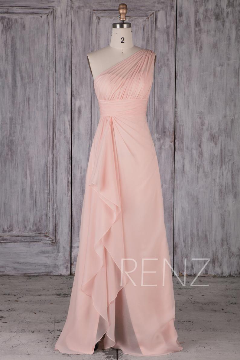 Pin By Caroline Anderson On Bridesmaids Attire Peach Prom Dresses Peach Bridesmaid Dresses Fancy Dresses [ 1191 x 794 Pixel ]