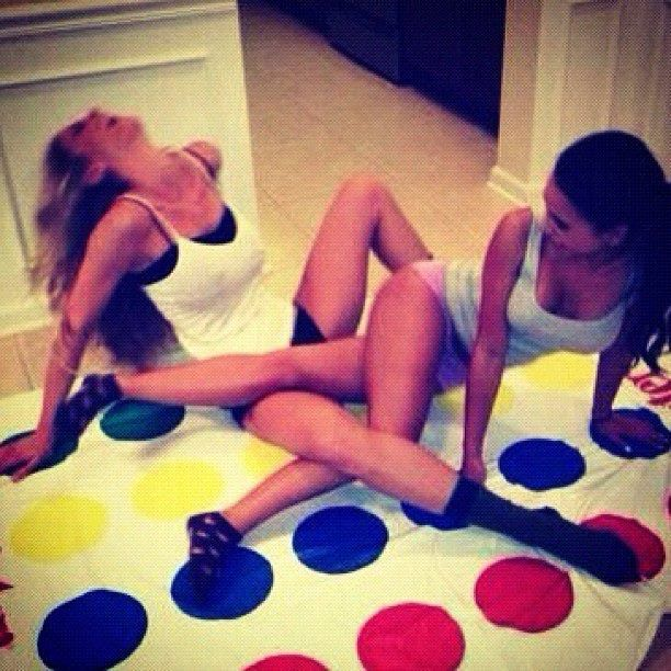 Twister Lgbt Lol Teen Party Games Lesbian Hot Sexy Lesbians