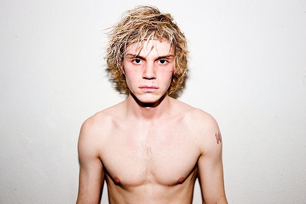 Evan peters shirtless
