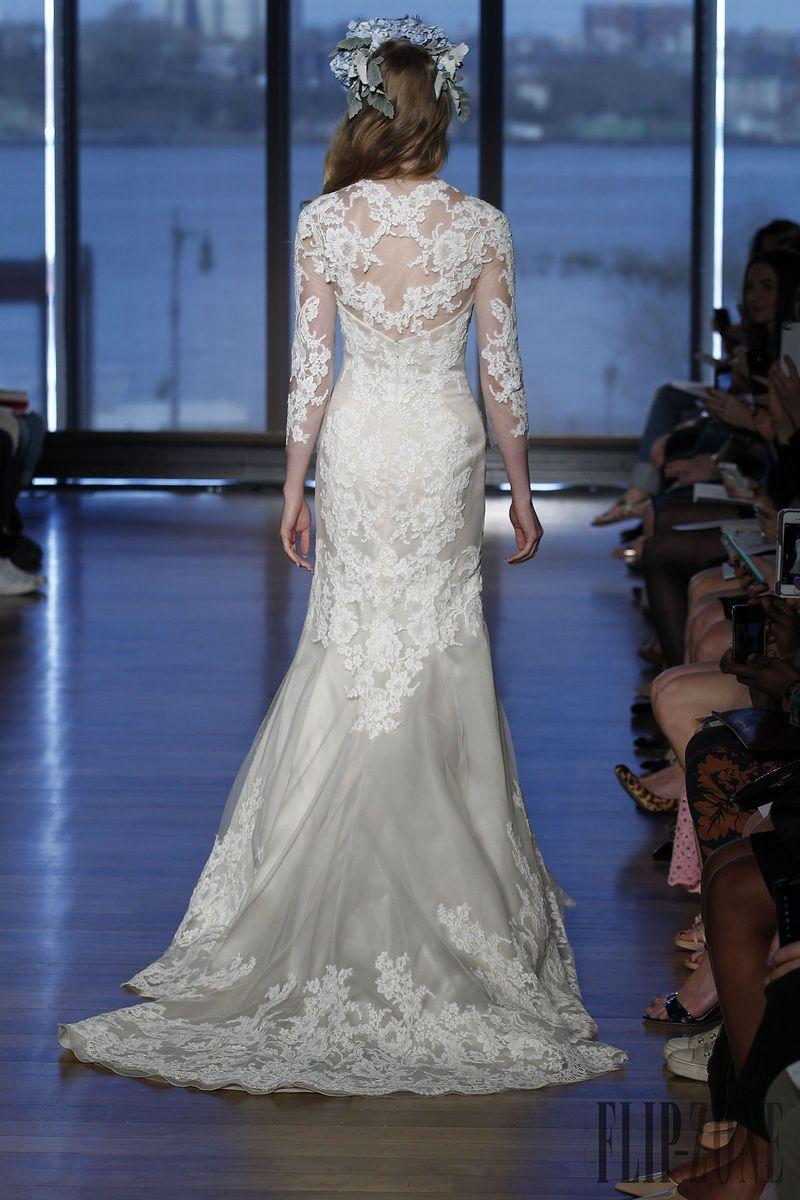 Ines Di Santo 2015 collection - Bridal - http://www.flip-zone.net/fashion/bridal/couture/ines-di-santo-4730