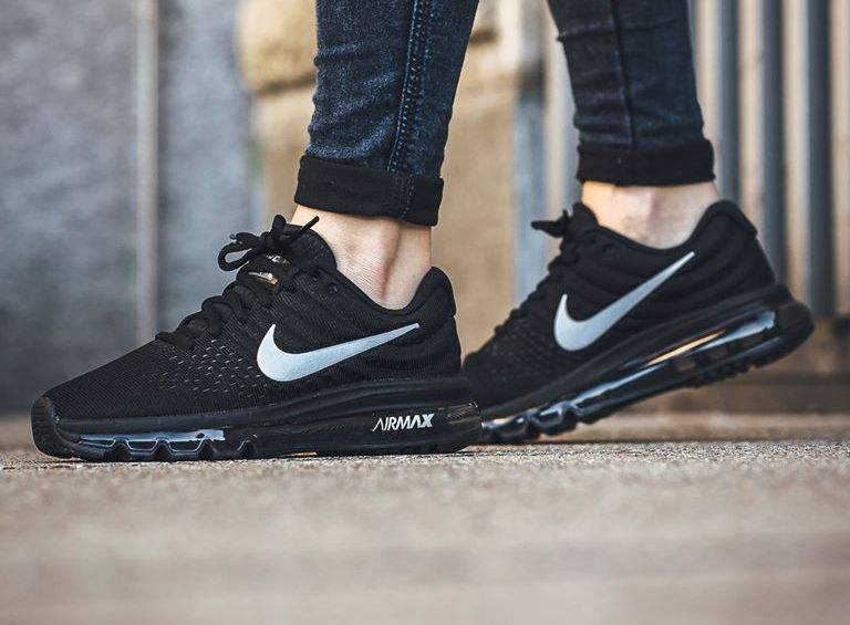 brand new 08082 1cd6f chaussure-nike-wmns-air-max-2017-black-anthracite-femme