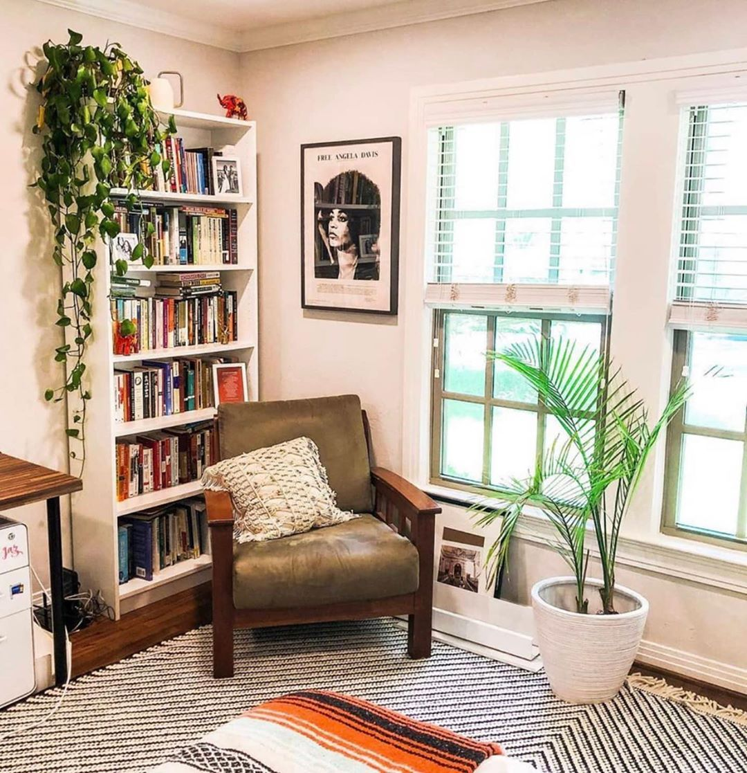 Apartment Therapy On Instagram I Was Rustic Glam Modern Farmhouse And He Was Well Anything He Could Find On Craigslist Home Apartment Style Apartment Decor