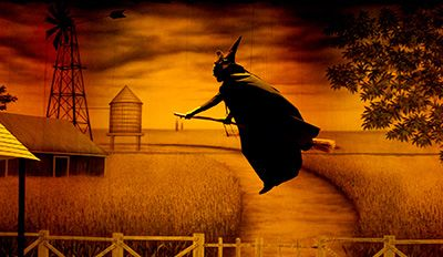 TheatreWorlds Black And White Prairie Farm Backdrop With Gold