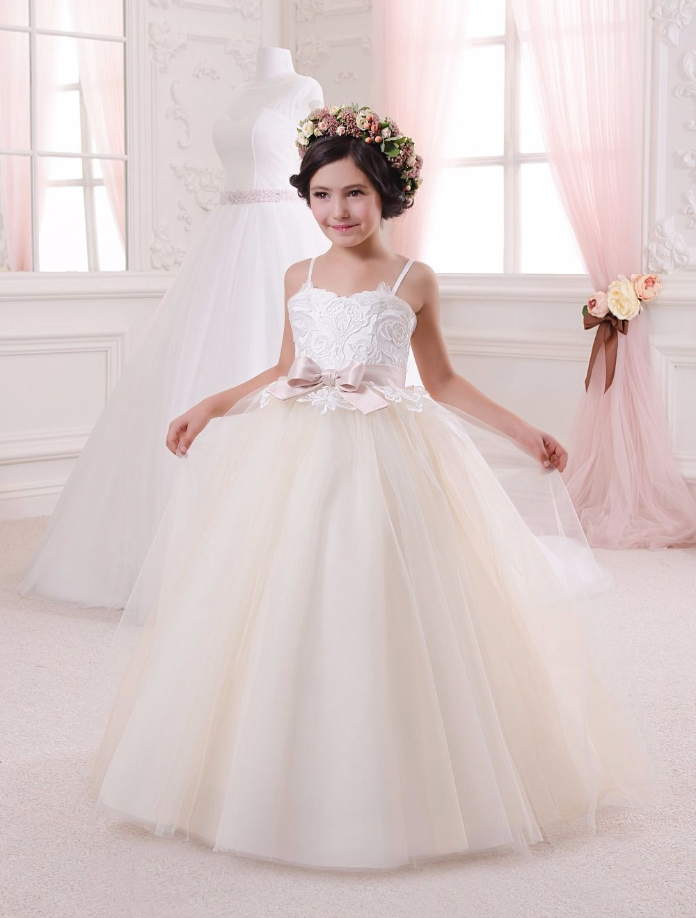 Click to Buy << Lace Appliques Sleeveless Ruffles Holy Communion ...