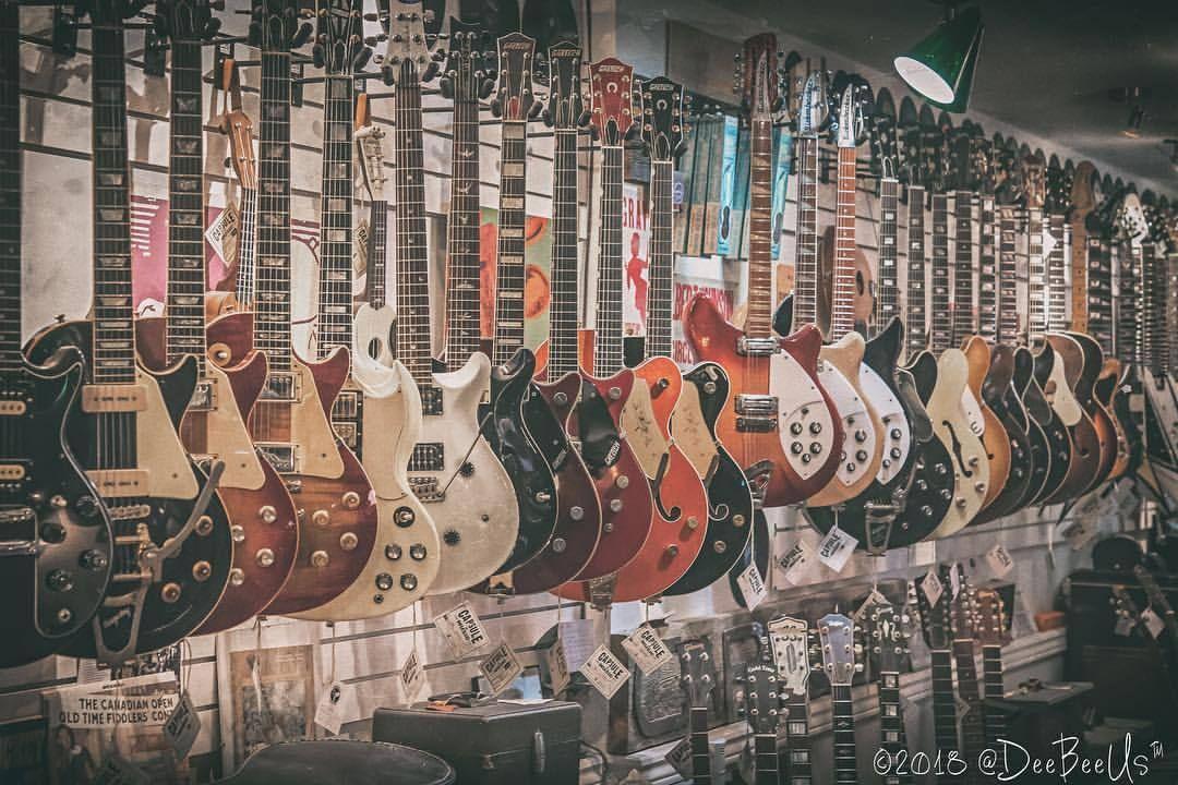 I Won T Stop Until My House Looks Just Like This Capsulemusic Toronto Guitar Guitars Guitarra Chitarra Guita Guitar Electric Guitar Vintage Guitars