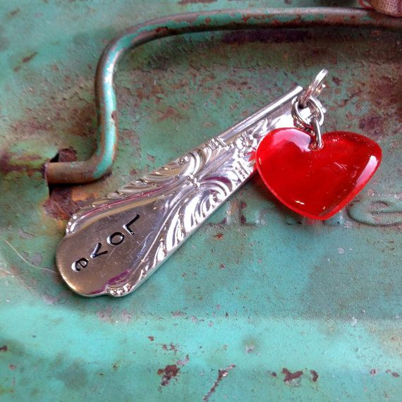 ViNTaGe uPCyCLeD SPooN FoRK JeWeLRy PeNDaNT - LoVe - WiRe TieD BeaD CHaRMS