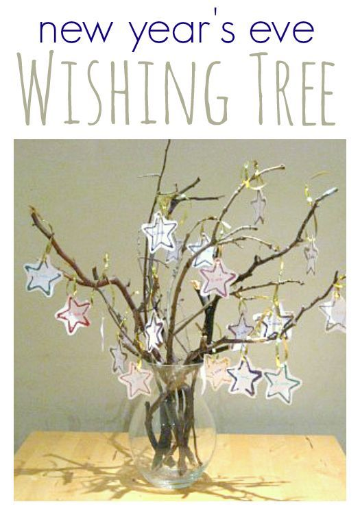 Wishing Tree New Year's Craft for kids. Not only is this a beautiful craft it's also a lovely activity to sit down and do together with your kids. #newyears #kidscrafts #kids #preschool