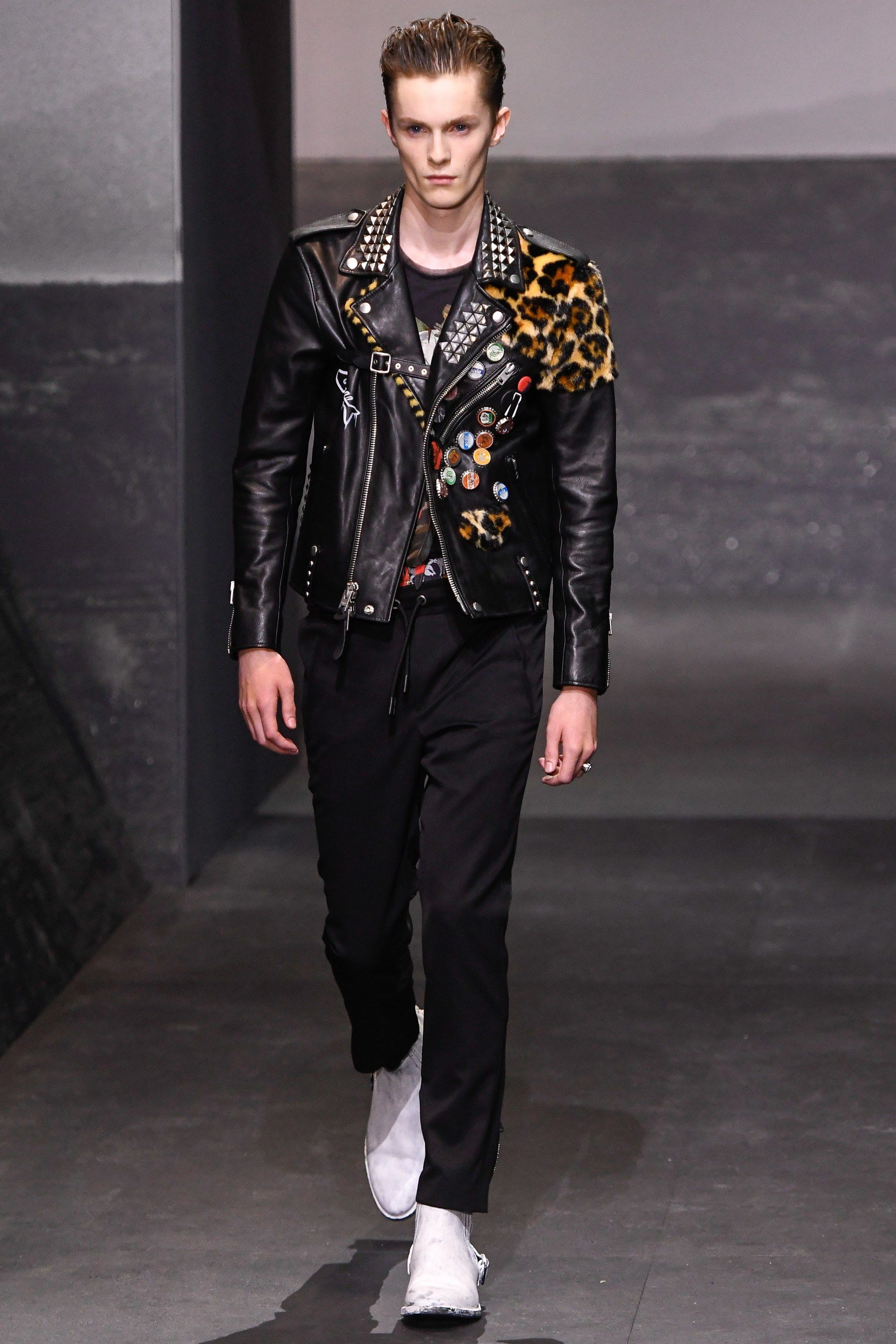 Leather jacket in summer - Coach 1941 Spring 2017 Menswear Collection Photos Vogue