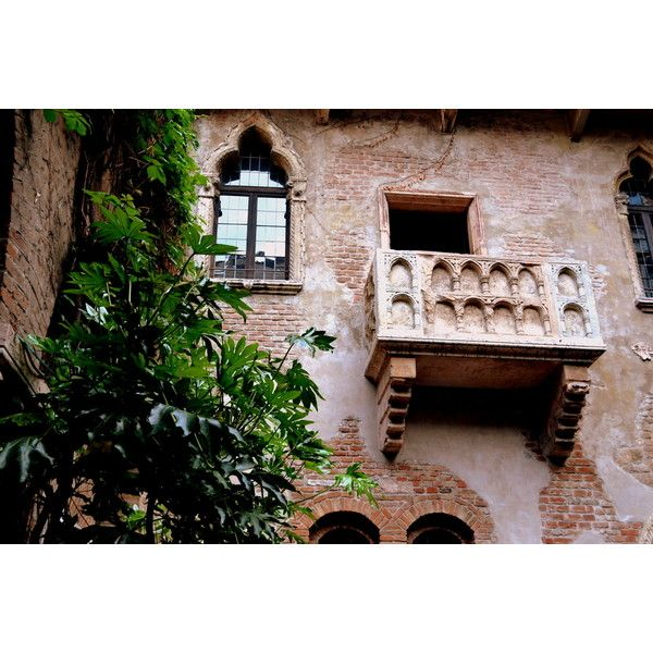 Romeo and Juliet's balcony ❤ liked on Polyvore featuring backgrounds, movies, photo, pics and romeo and juliet