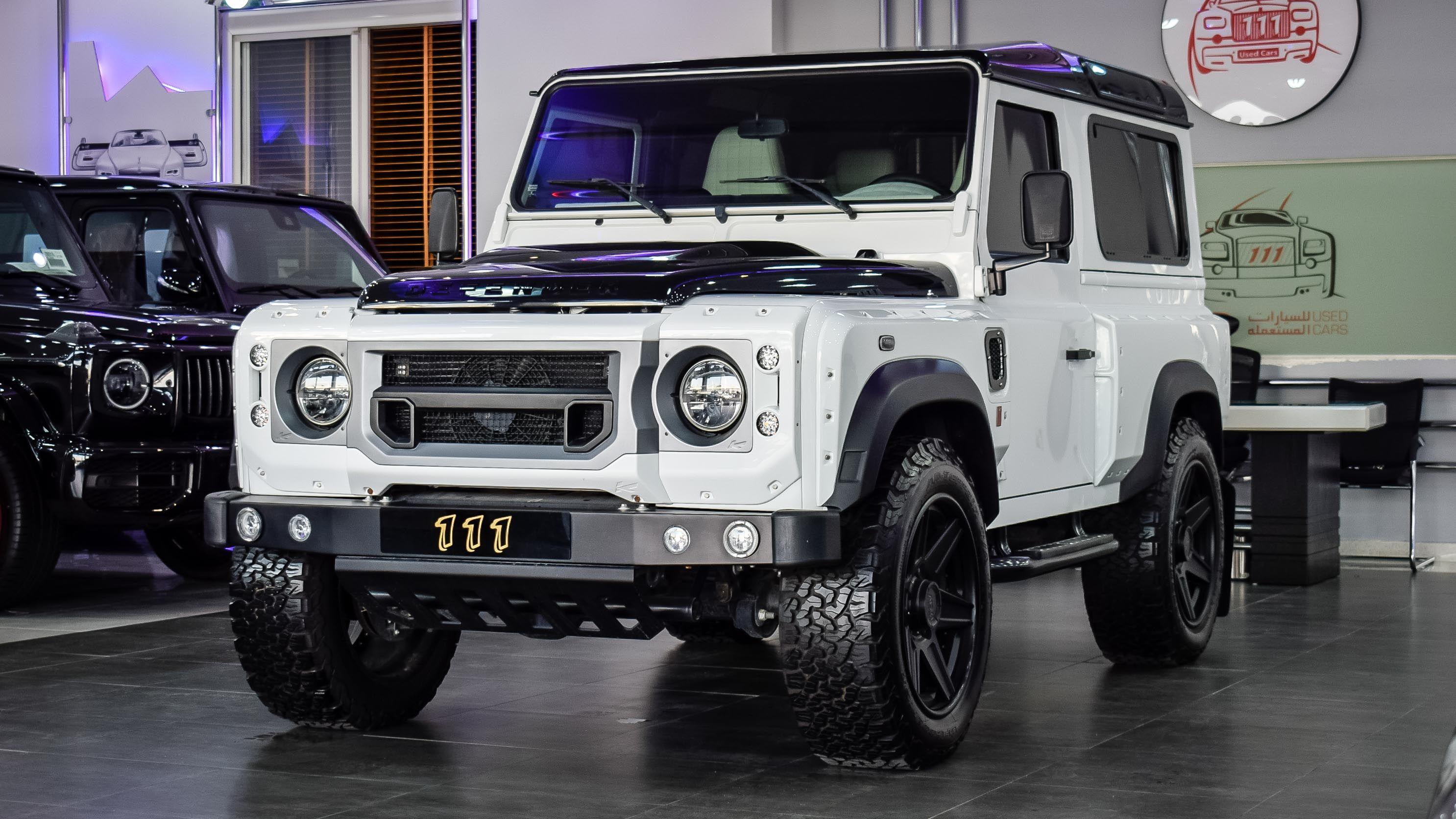 Model Land Rover Defender KAHN / Automatic/ GCC Space