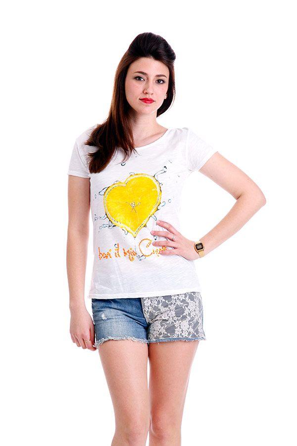 T-shirt con stampa e strass