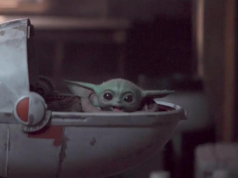 Yoda Baby Star Wars Mandalorian Cradle Right Yoda Wallpaper Star Wars Yoda Star Wars Baby