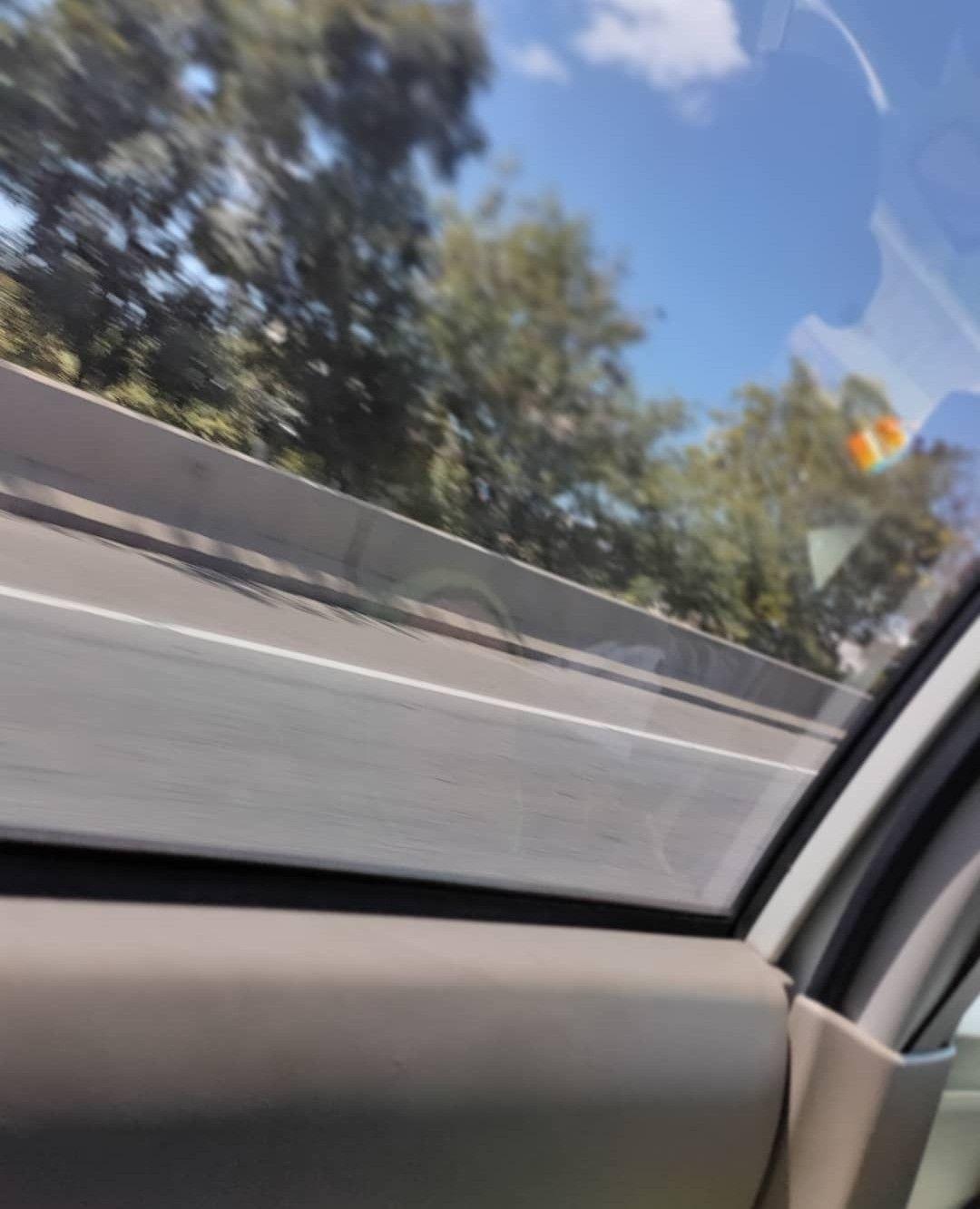 Aesthetic In The Car Mobil Way Jalan Fotografi Dinding Gambar Gambar Anime