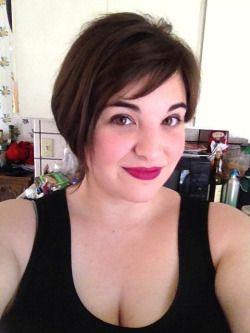 fat girls + short hair = YES! | Haircuts/styles | Pinterest | Girl ...