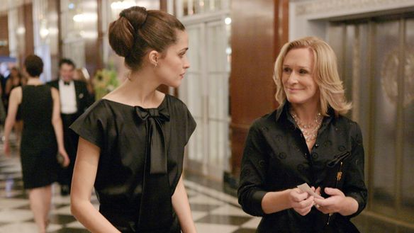 Rose Byrne as Ellen Parsons and Glenn Close as Patty Hewes in Damages.