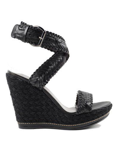 STUART WEITZMAN Stuart Weitzman Sandal. #stuartweitzman #shoes #stuart-weitzman-sandal