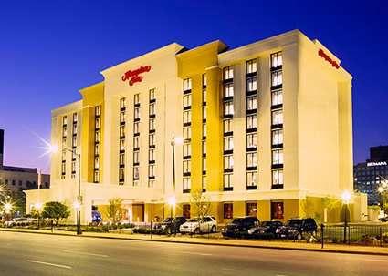 Hampton Inn Louisville Downtown Ky Hotel Hotel Exterior Hampton