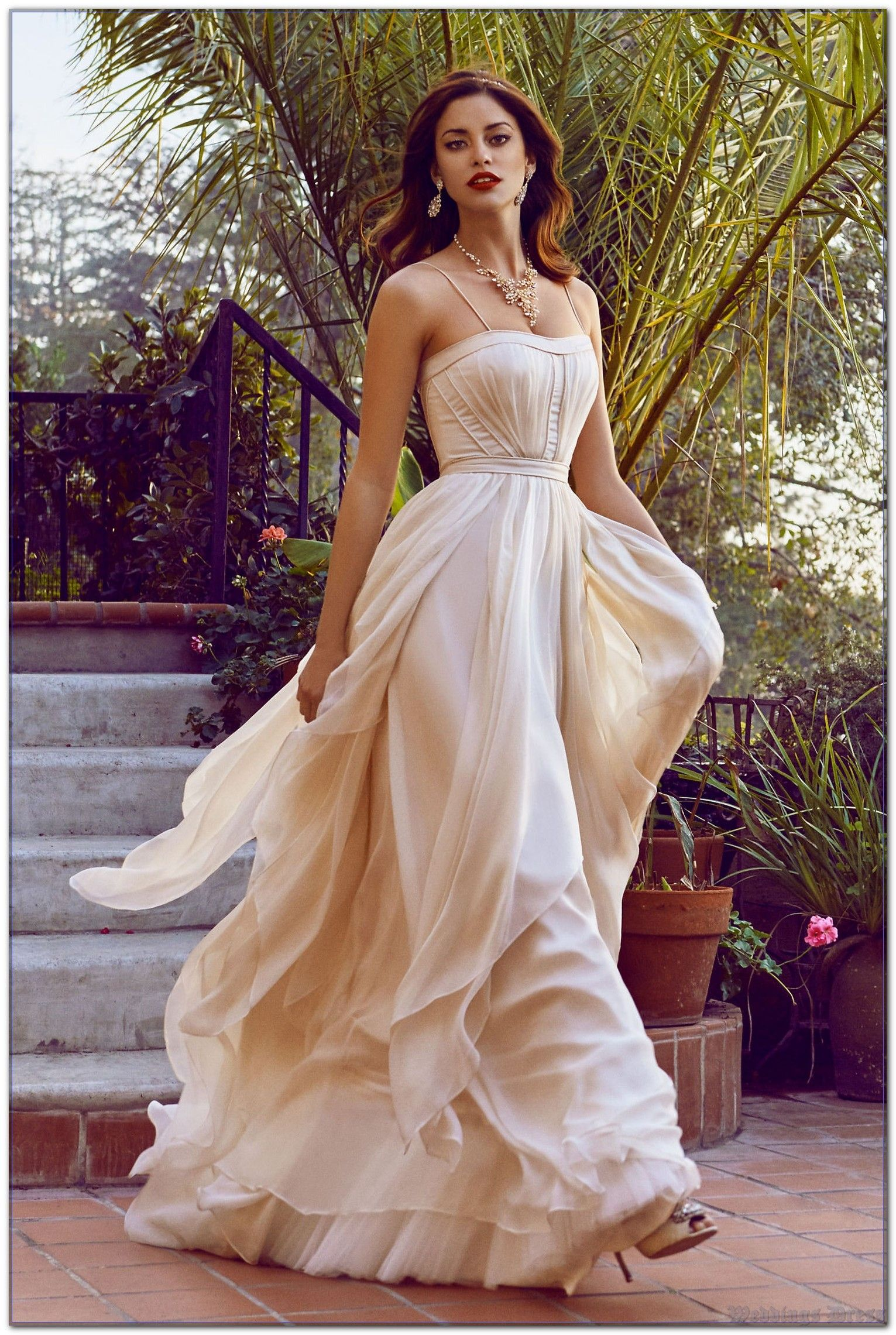 At Last, The Secret To Weddings Dress Is Revealed