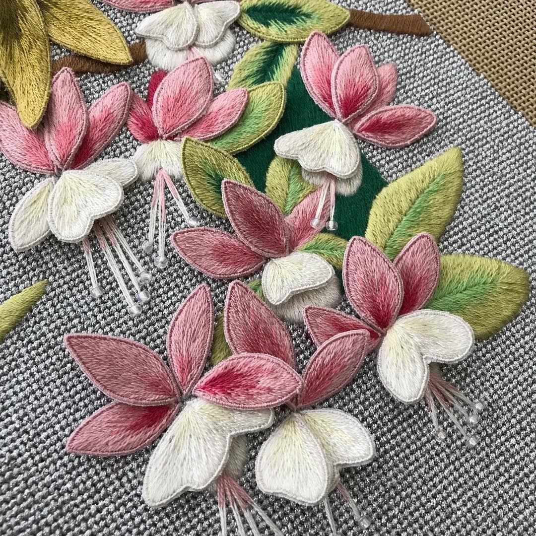 Coming Along Canvas Stumpwork Embroidery Love Fuchsia Flowers Petals Leaves 刺繍 Brazilian Embroidery Brazilian Embroidery Stitches Embroidery Kits