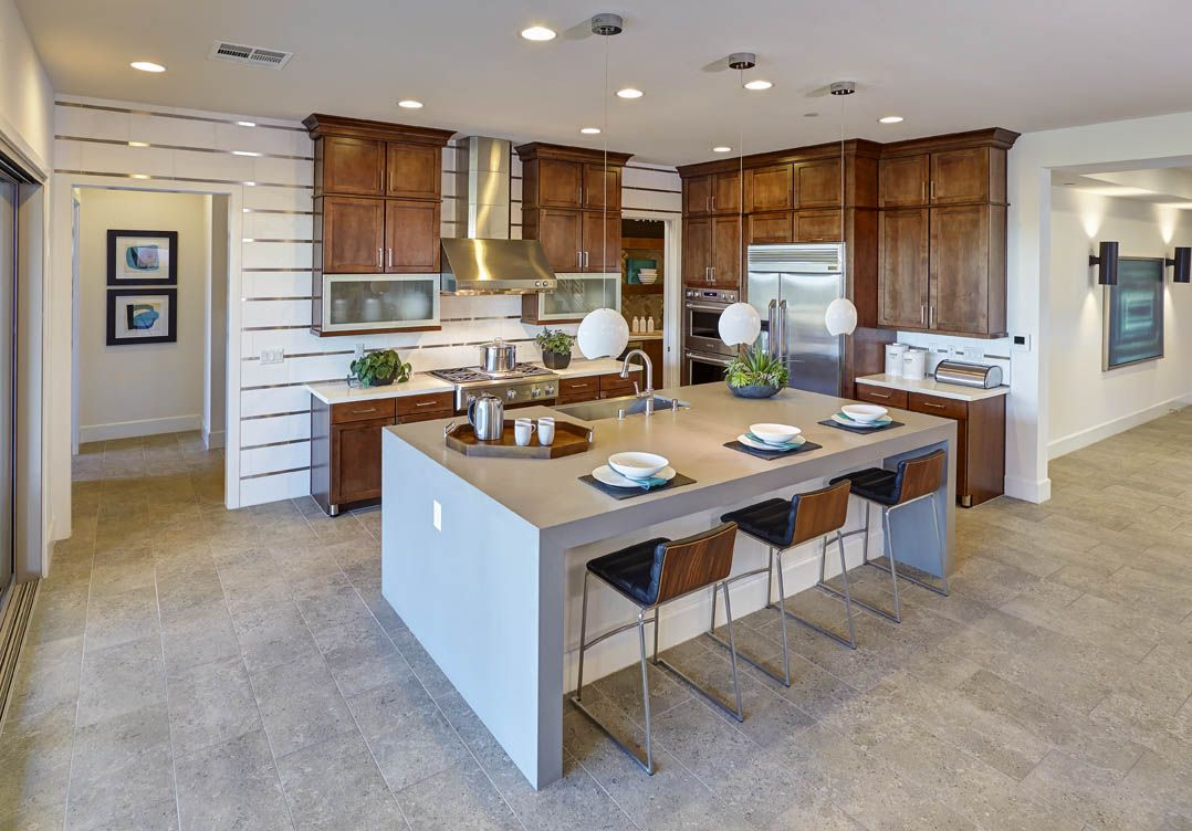 This Mid Continent Cabinetry Kitchen Maximizes Its Options Tall Crown Moulding Metal Feet On Base Cabinet Top Kitchen Trends Kitchen Flooring Kitchen Trends
