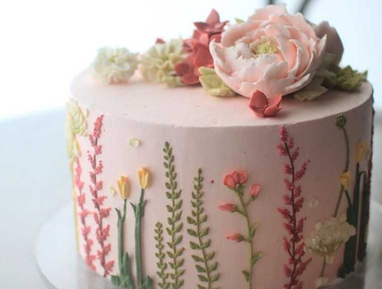 Pretty floral cakes to feast your eyes on