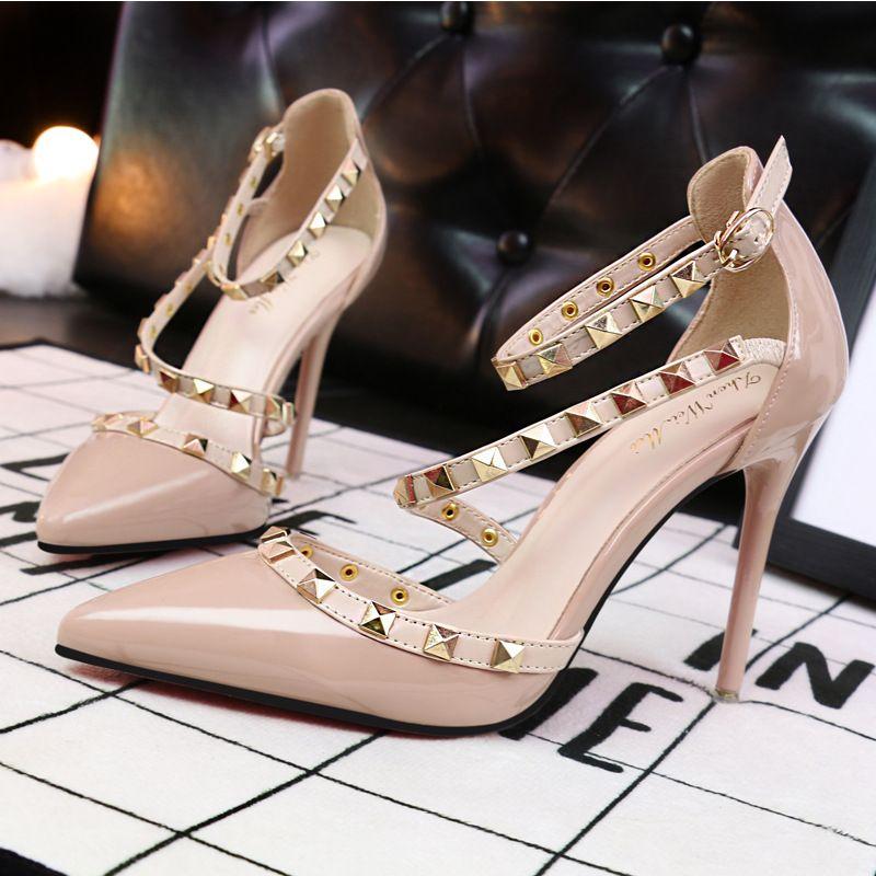She era 2017 europa sexy stiletto alti talloni delle donne scarpe Hollow Bocca Profonda Pompe Dames Schoenen Camoscio Scarpe Donna Scarpe Donna