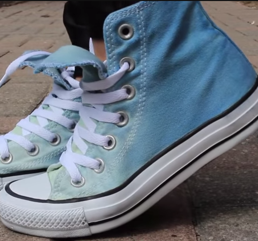 2a151294499a DIY Ombré high tops → youtu.be gxXPwTf4LTo