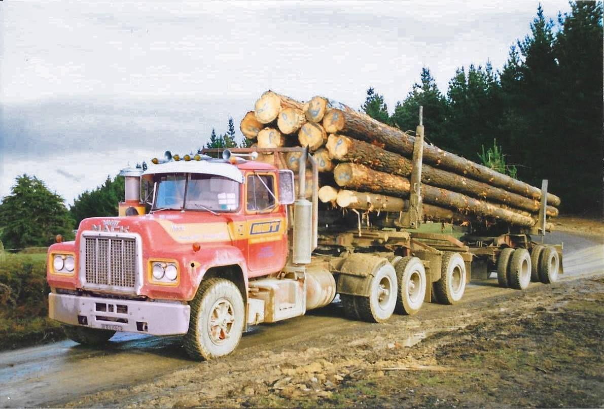 MACK. R600, LogTruck. N.Z. Antique trucks, Trucks, Mack