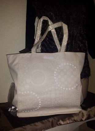 f109a225ef5 À vendre sur  vintedfrance ! http   www.vinted.fr sacs-femmes sacs ...