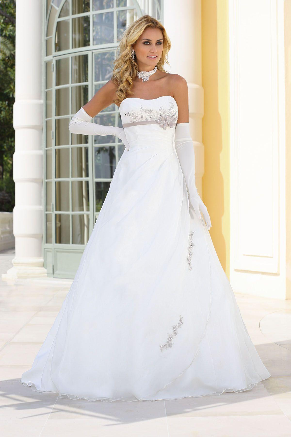 Brautkleid aus der Ladybird Brautmoden Kollektion 2015 :: bridal ...