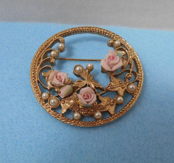 Round Gold Tone Filigree Porcelain Rose Brooch