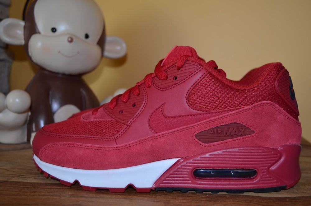 312be846bb6 NEW NIKE AIR MAX 90 ESSENTIAL Trainers SZ 10.5 Gym Red Black White 537384- 604 97