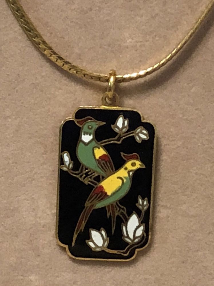 99 AUCTIONS Vintage Cloisonn Asian Double Bird Pendant Necklace