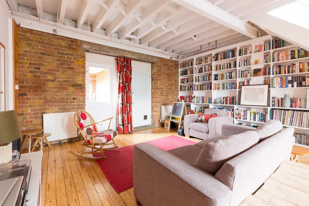 Property in Murchison Road, London