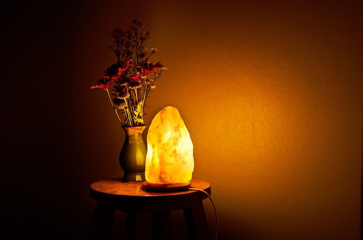 Energetic Lights Himalayan Salt Lamps As A Unique Decor Piece Pink Salt Lamp Salt Rock Lamp Salt Lamp