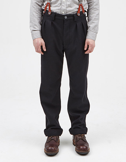 58d342a4f0ea PLEATED CHINO BLACK NAVY Nigel Cabourn