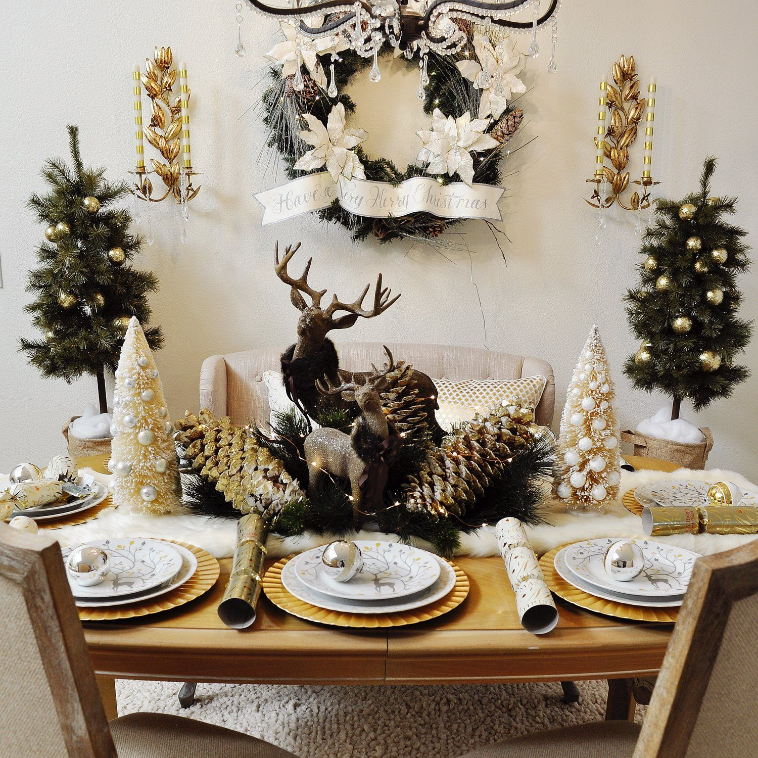 Home For The Holidays Blog Tour 2 Ladies A Chair Style 2 Ladies A Chair Holiday Tablescapes Christmas Table Centerpieces Christmas Table Settings