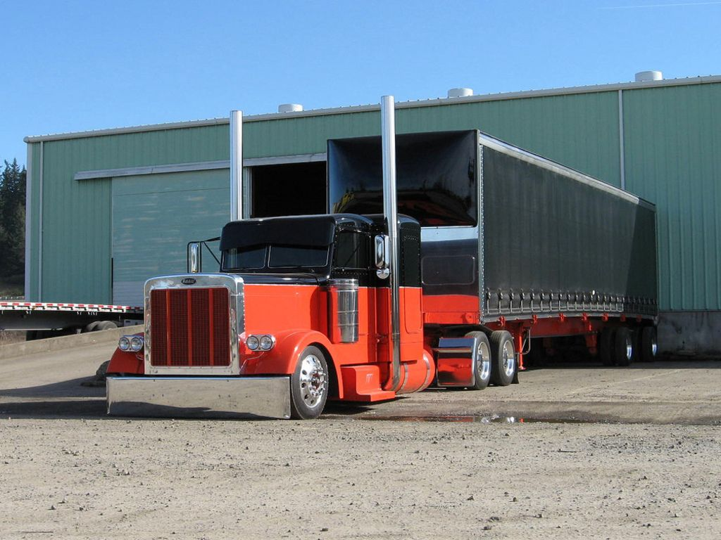 Custom Semi Trucks on Pinterest | Peterbilt, Peterbilt 379 ...