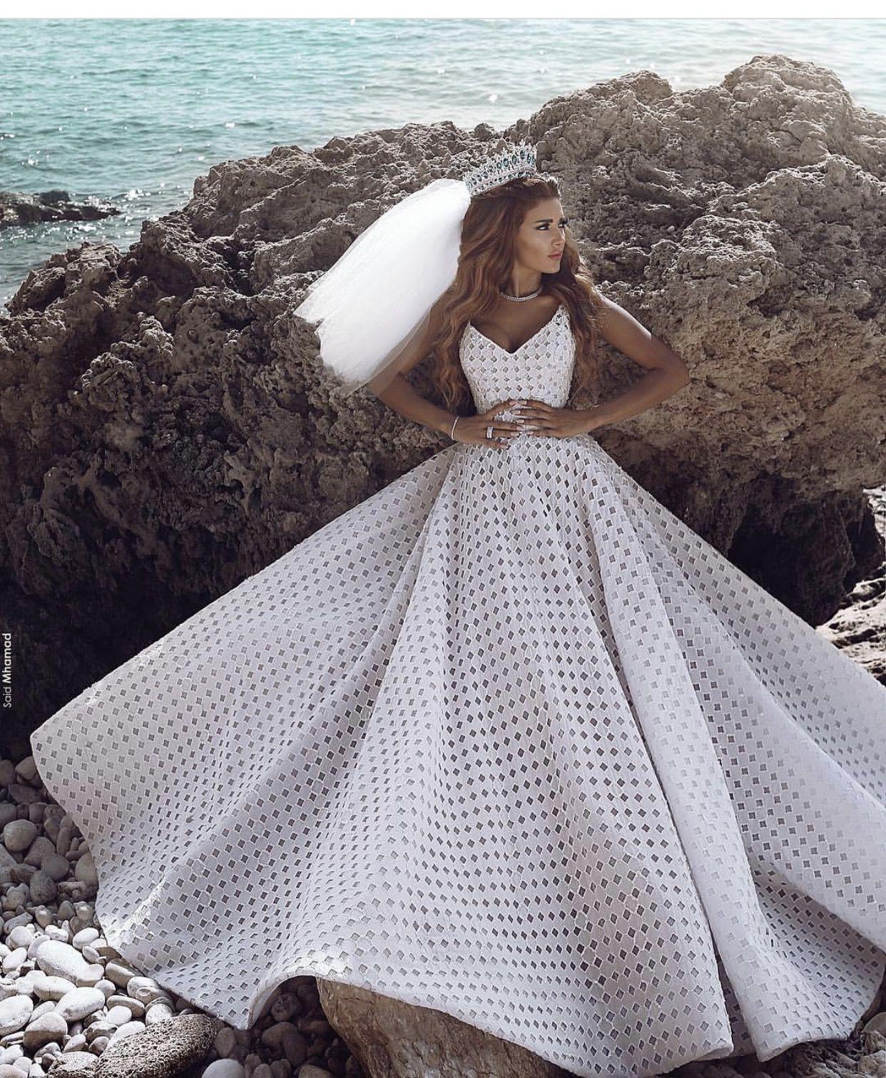 Pin von Tina Hamad auf Wedding dresses   Pinterest ...