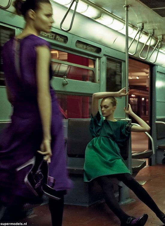 Supermodels.nl Industry News - Siri, Viktoriya, Anna & Magdalena for Alberta Ferretti FW0809