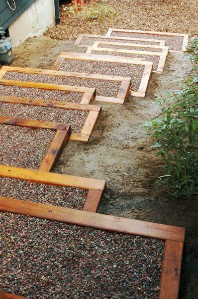 Cedar Landscaping Stairs with Gravel Base Könnten auch mit Beton gefüllt werden